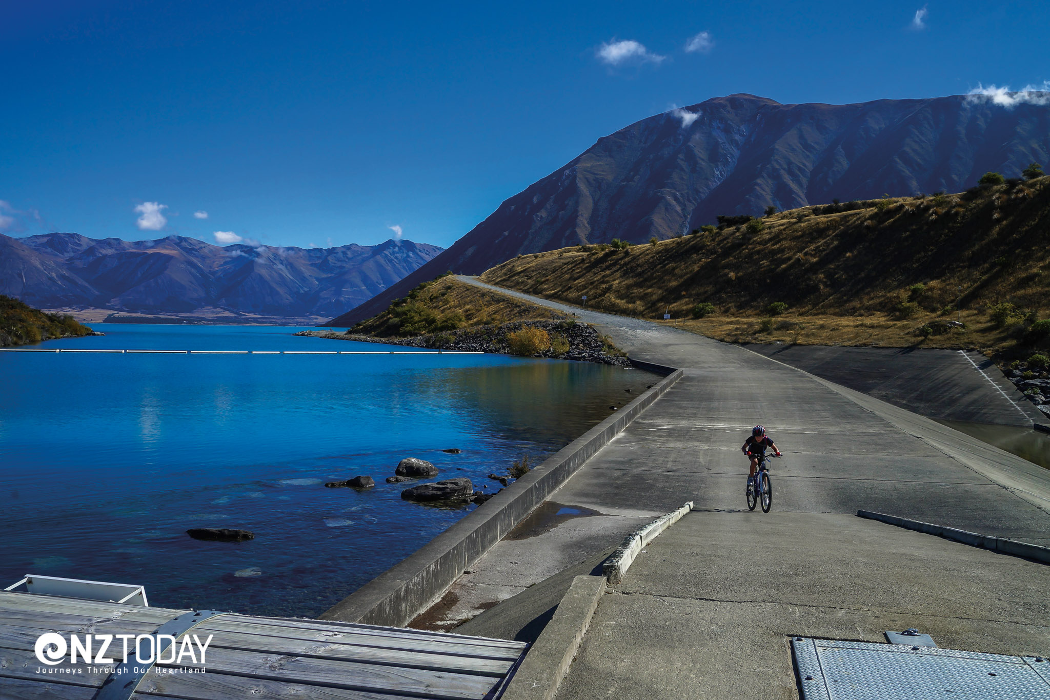Cyclist at Ohau Weir