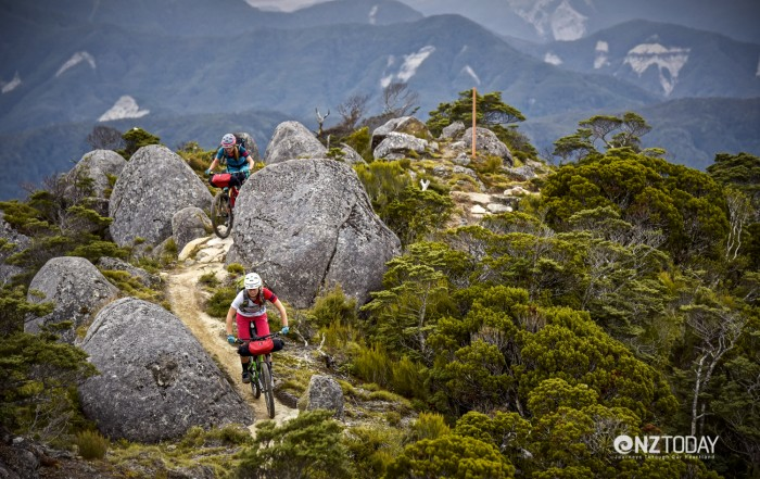 Riding between the boulders of Skyline Ridge (credit Hage Photo)