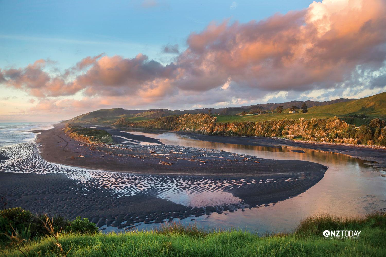 The Awakino River snakes down to the Tasman Sea