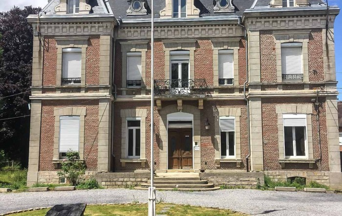 The basis of the museum project is the former Mayor's residence and headquarters of the Gendarmerie in Le Quesnoy, the largest piece of land under one title within the original town ramparts. Studies by the New Zealand Memorial Museum Trust indicate that it is entirely suitable for the purpose of establishing a New Zealand presence in France, centred in Le Quesnoy