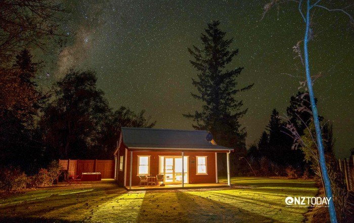 Brilliant! Red Cottage at Staveley under a starry sky